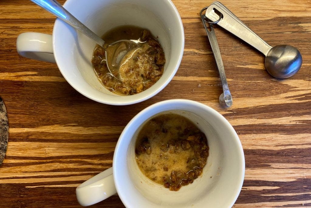 Date mixture in two mugs